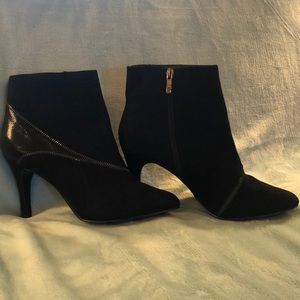 NWOT black suede boots size 8.5